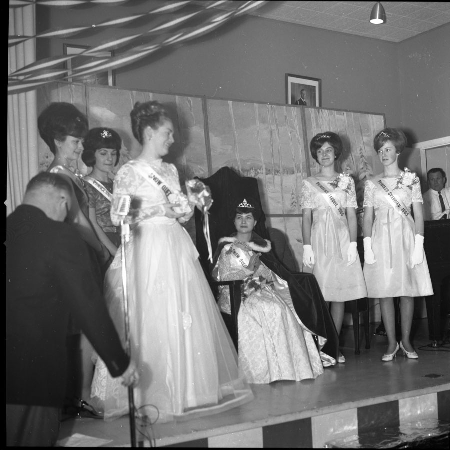 Snow Queen and Princesses, 1965 [DN-222]