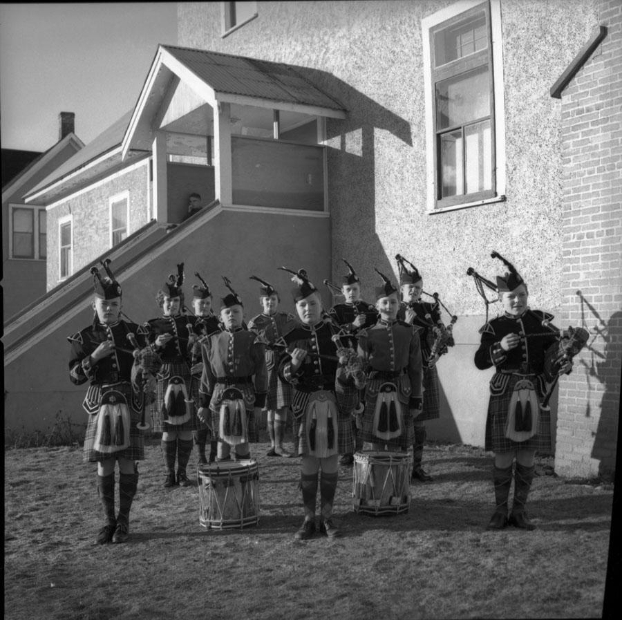 Bagpipe Band at Legion [DN-309]