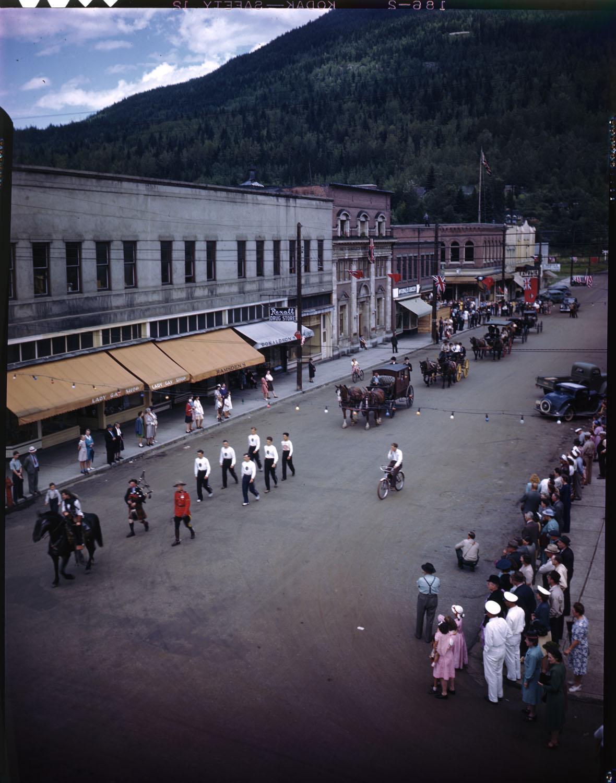 Parade on Mackenzie Ave [DN-631]