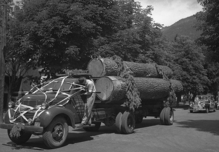 Golden Spike Parade, 1945 [DN-716]