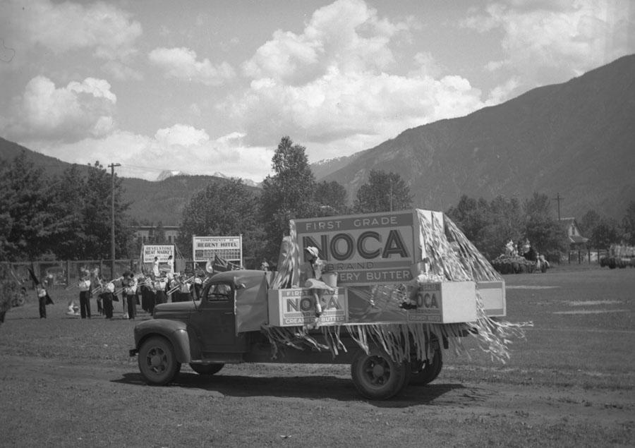Golden Spike Parade, 1945 [DN-722]