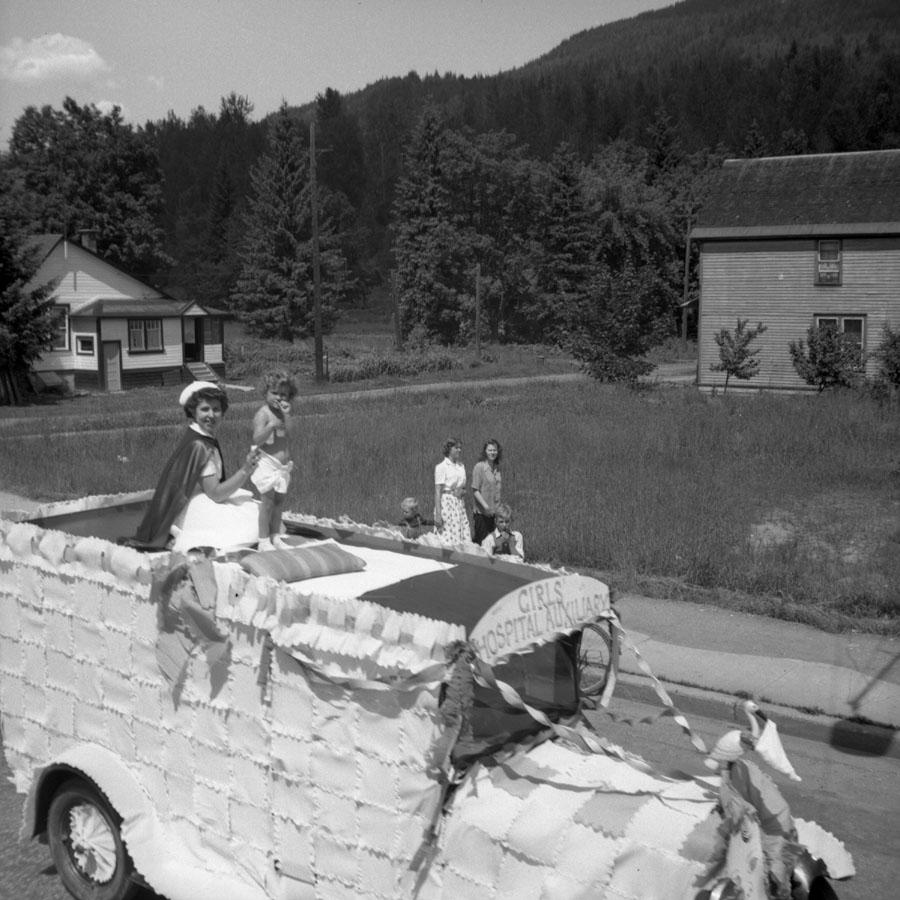Parade, First Street, 1947 [DN-894]