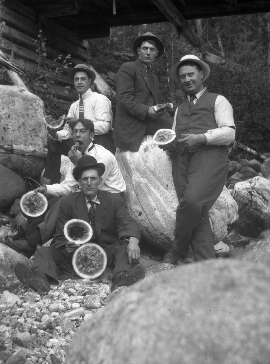 Group at Mt. Revelstoke Eating Watermelon [DN-399]