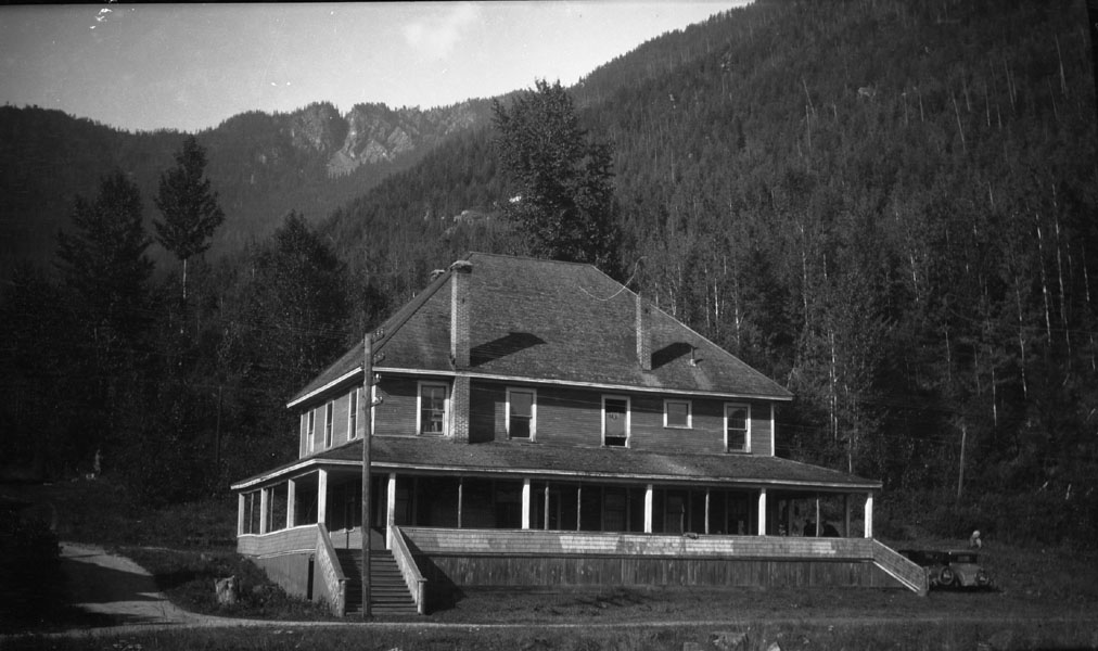Bell House, Three Valley [DN-171]
