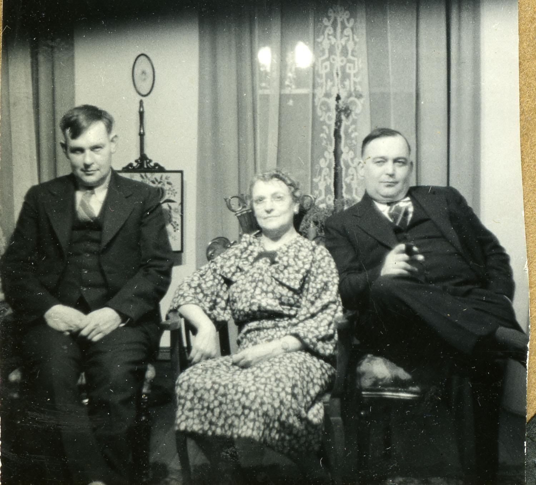 Charlie, Lyda and Drennan Holten, date unknown.