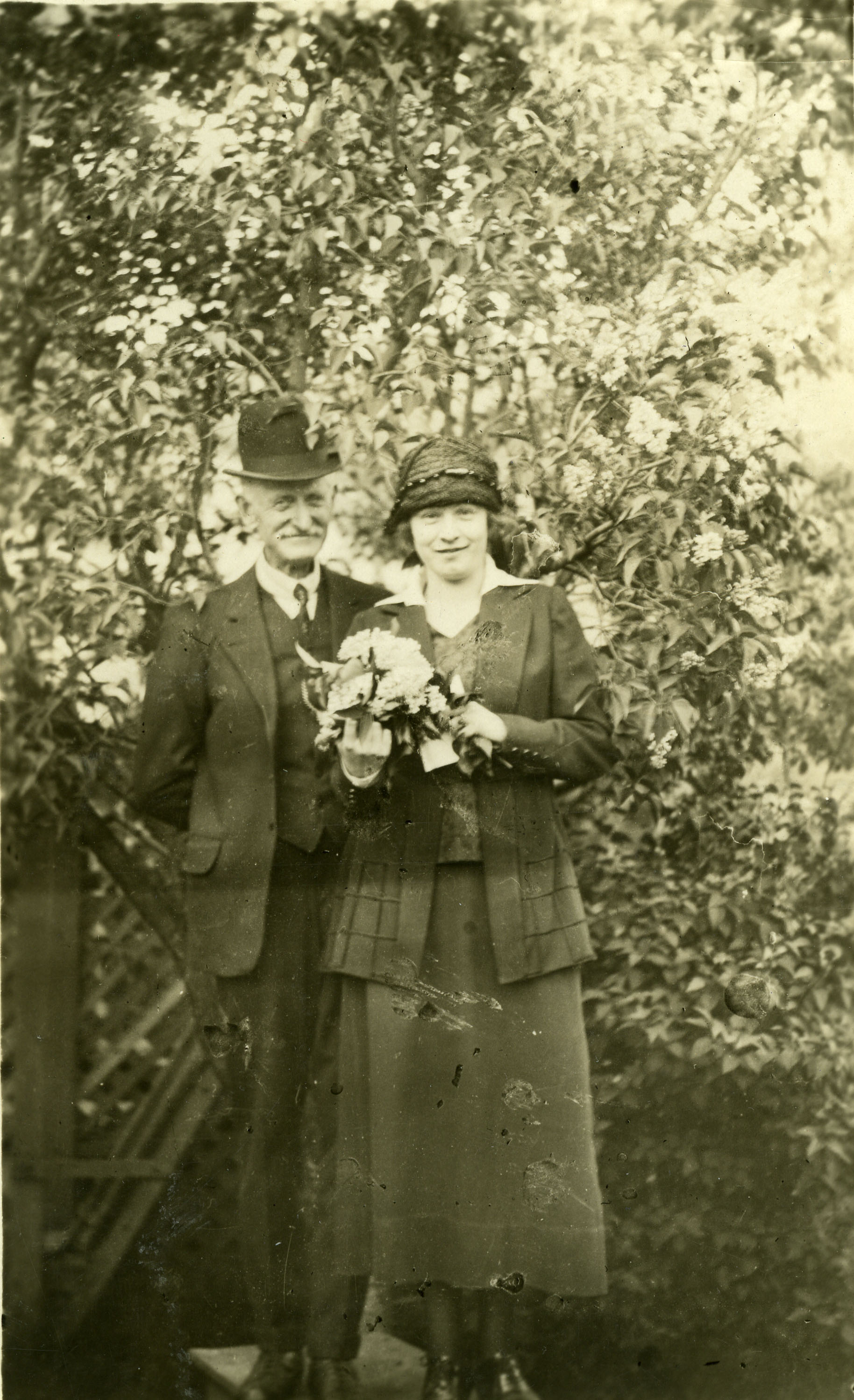 William & Sarah Dickey, c.1920.