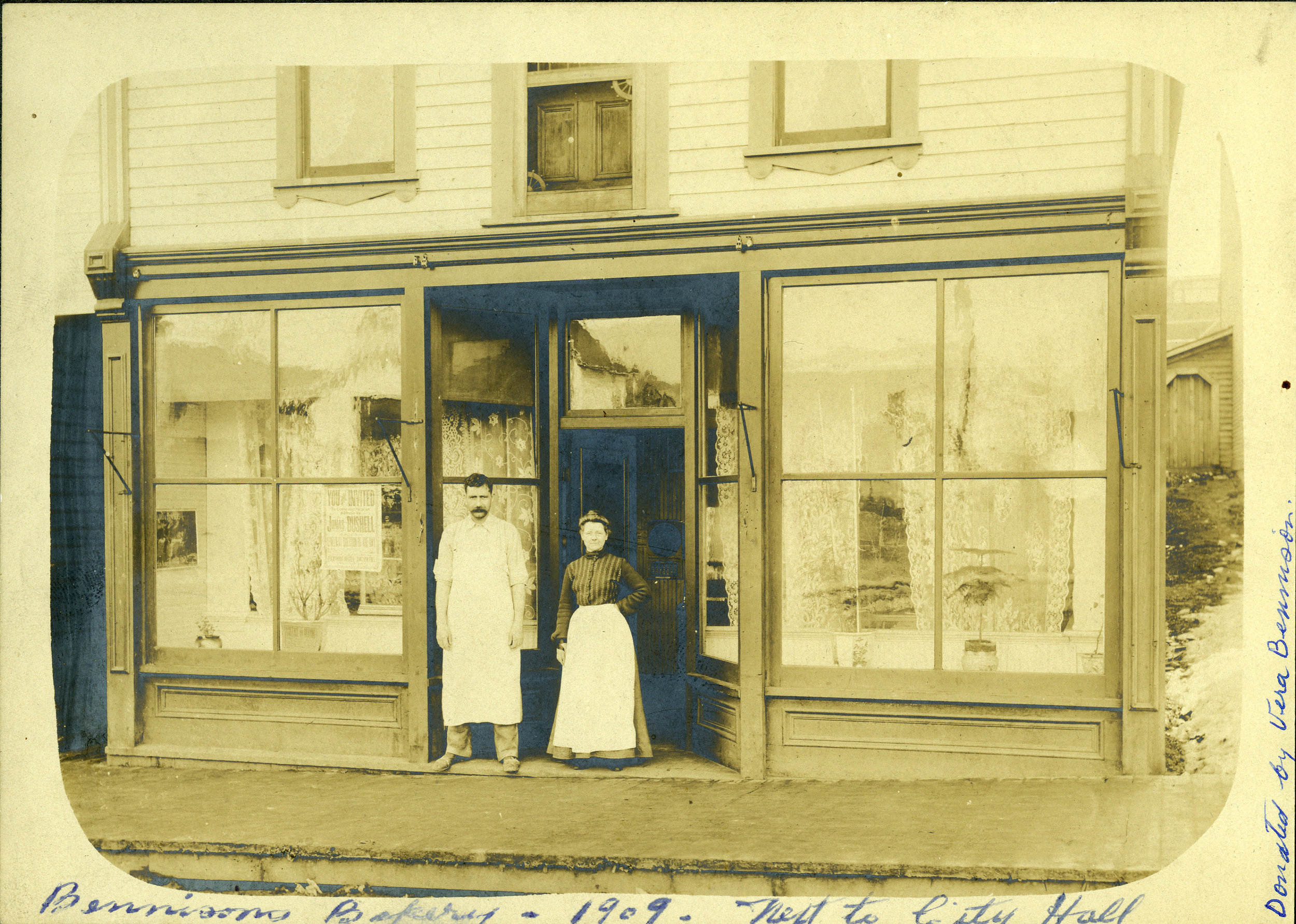 Albert & Alice Bennison, Bennison Bakery (next to City Hall), 1909.