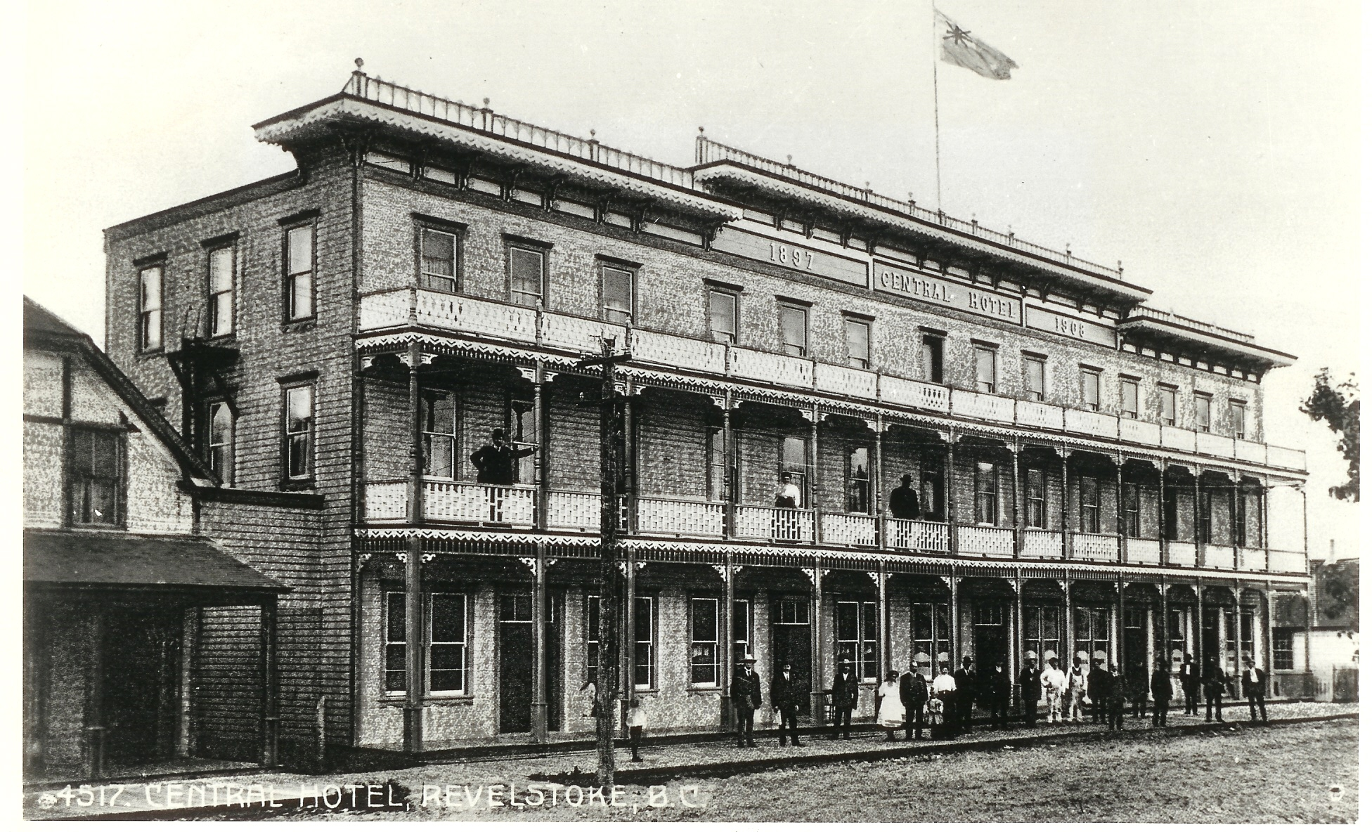 Central Hotel, Front Street, c.1910.
