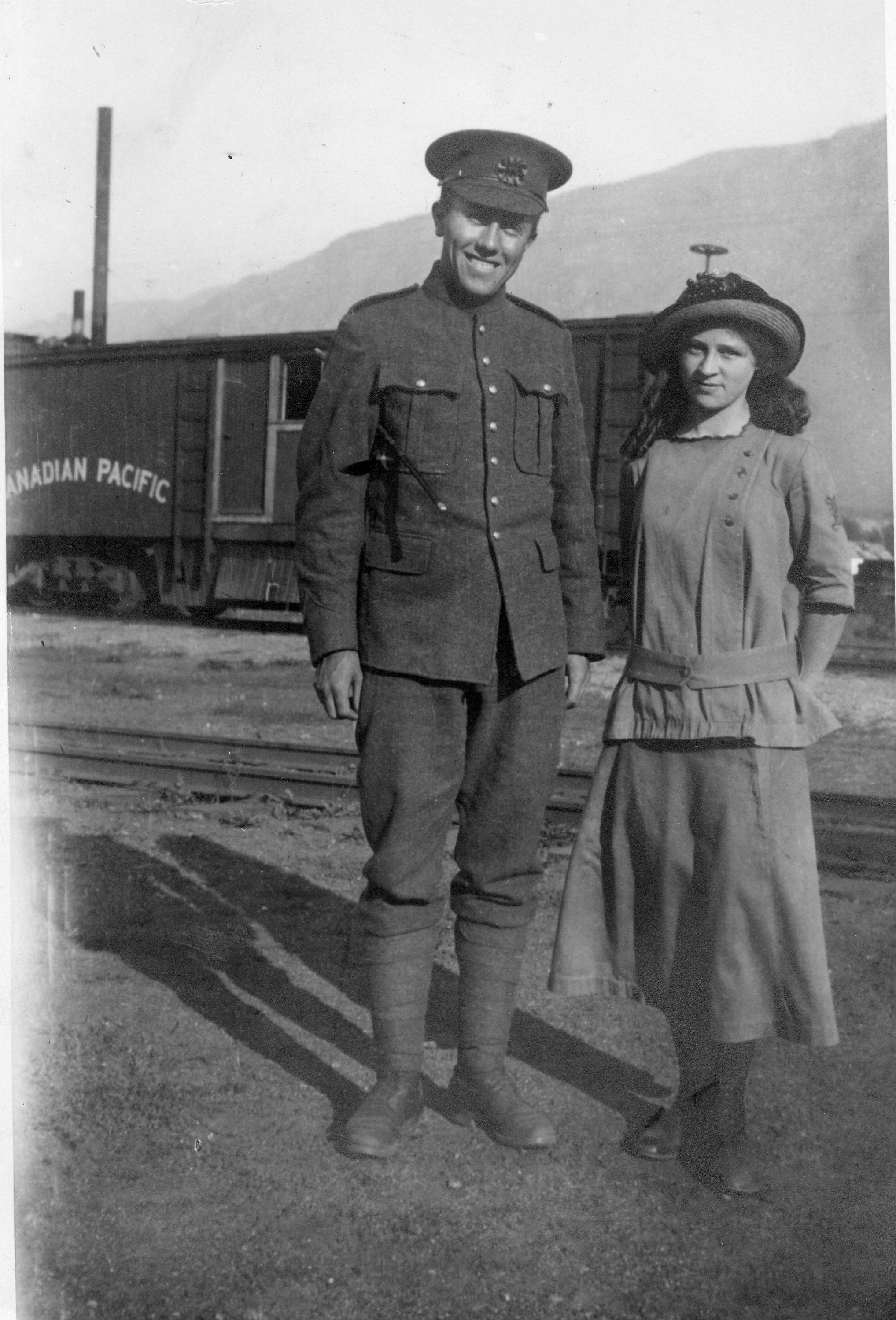 George Soames and Evelyn Haner in Revelstoke, 1915. P3801