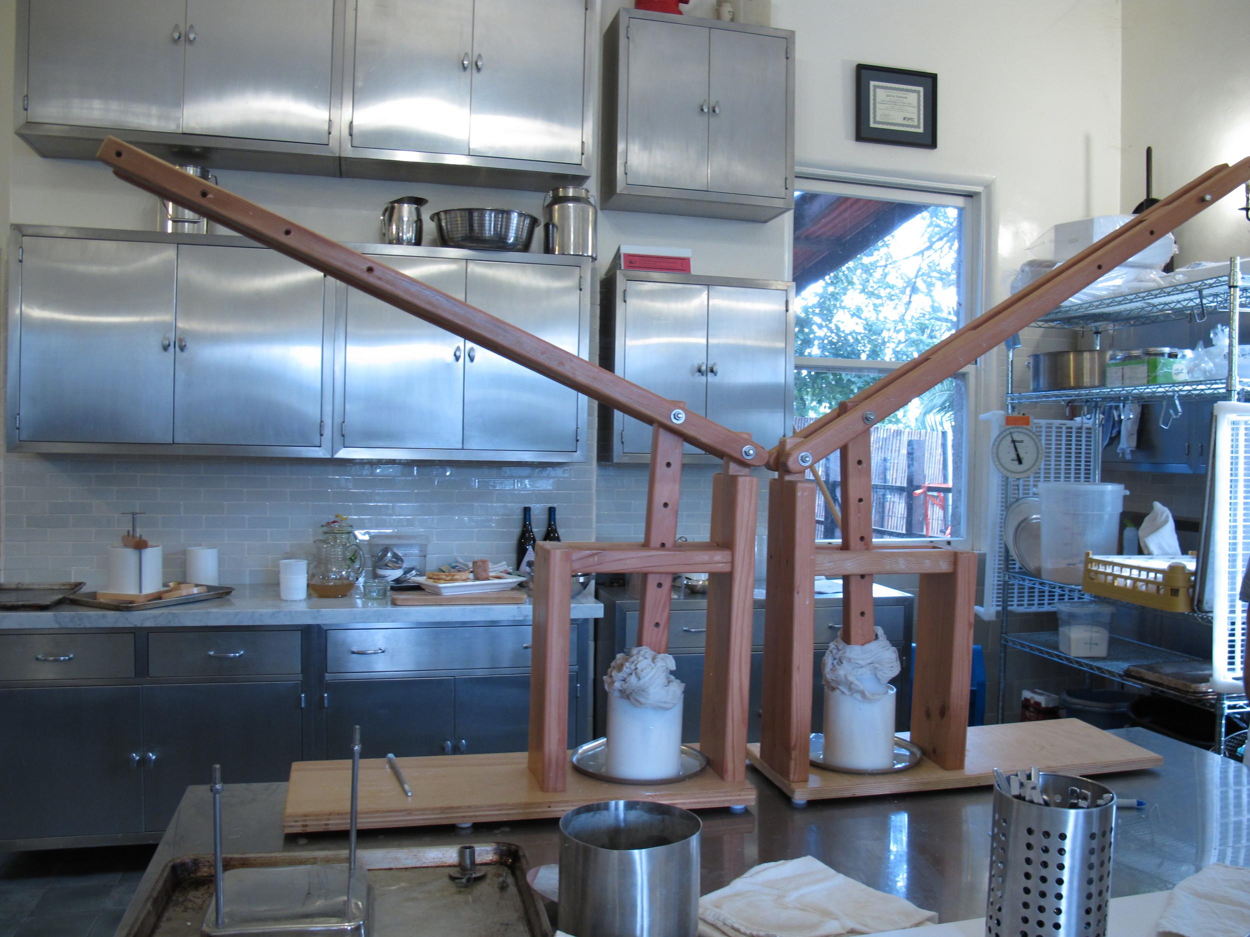 The gouda guillotine