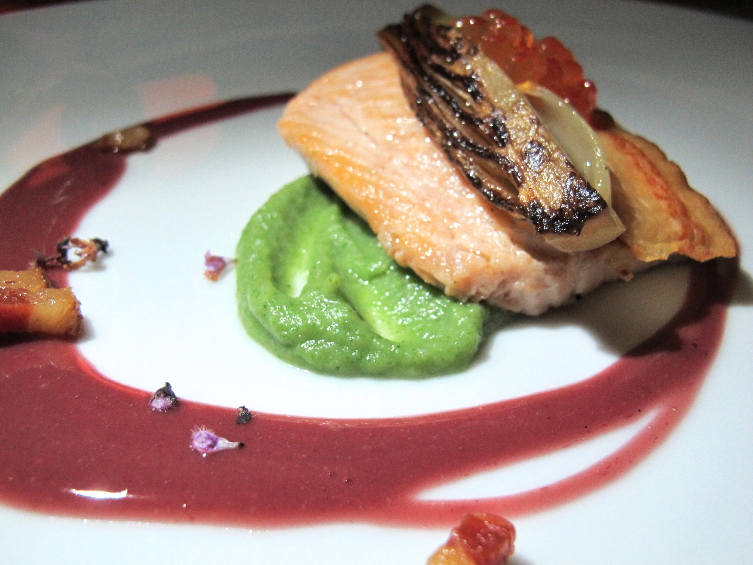 Steelhead trout, sunchoke puree, braised endive, lardons, buerre rouge, smoked trout roe