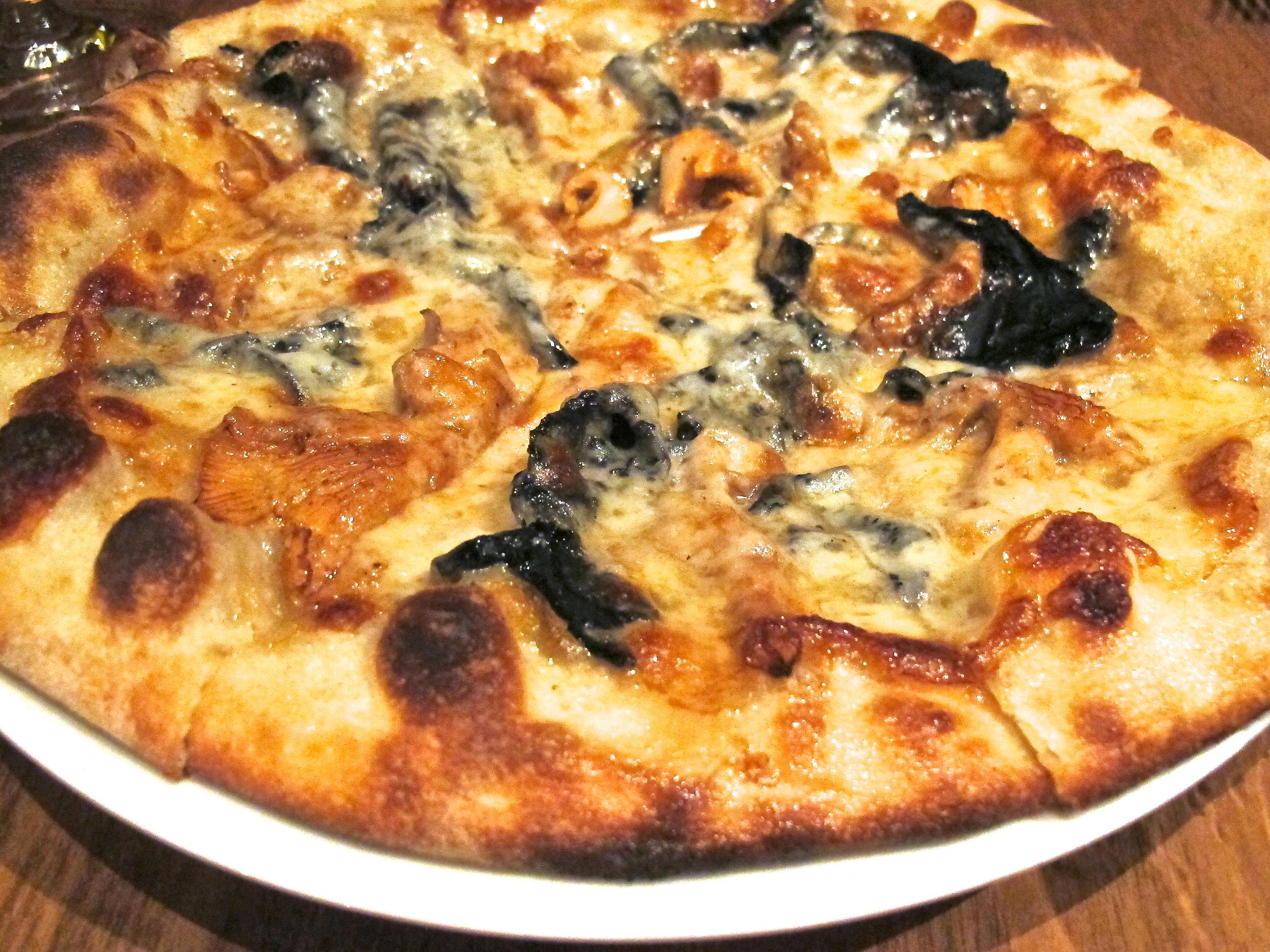 Nikita's pizza.JPG