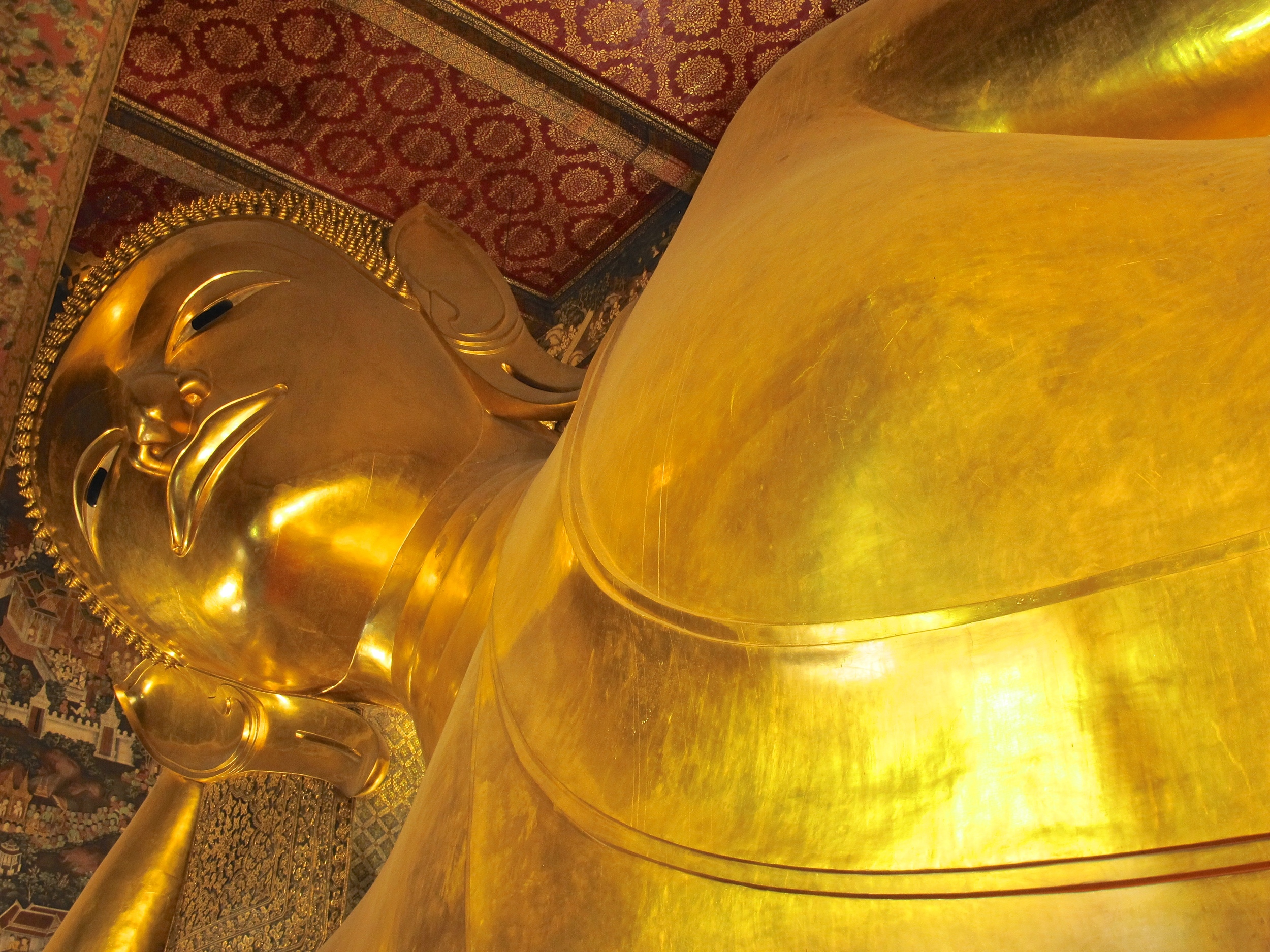 Reclining Buddha, Bangkok, Thailand.JPG