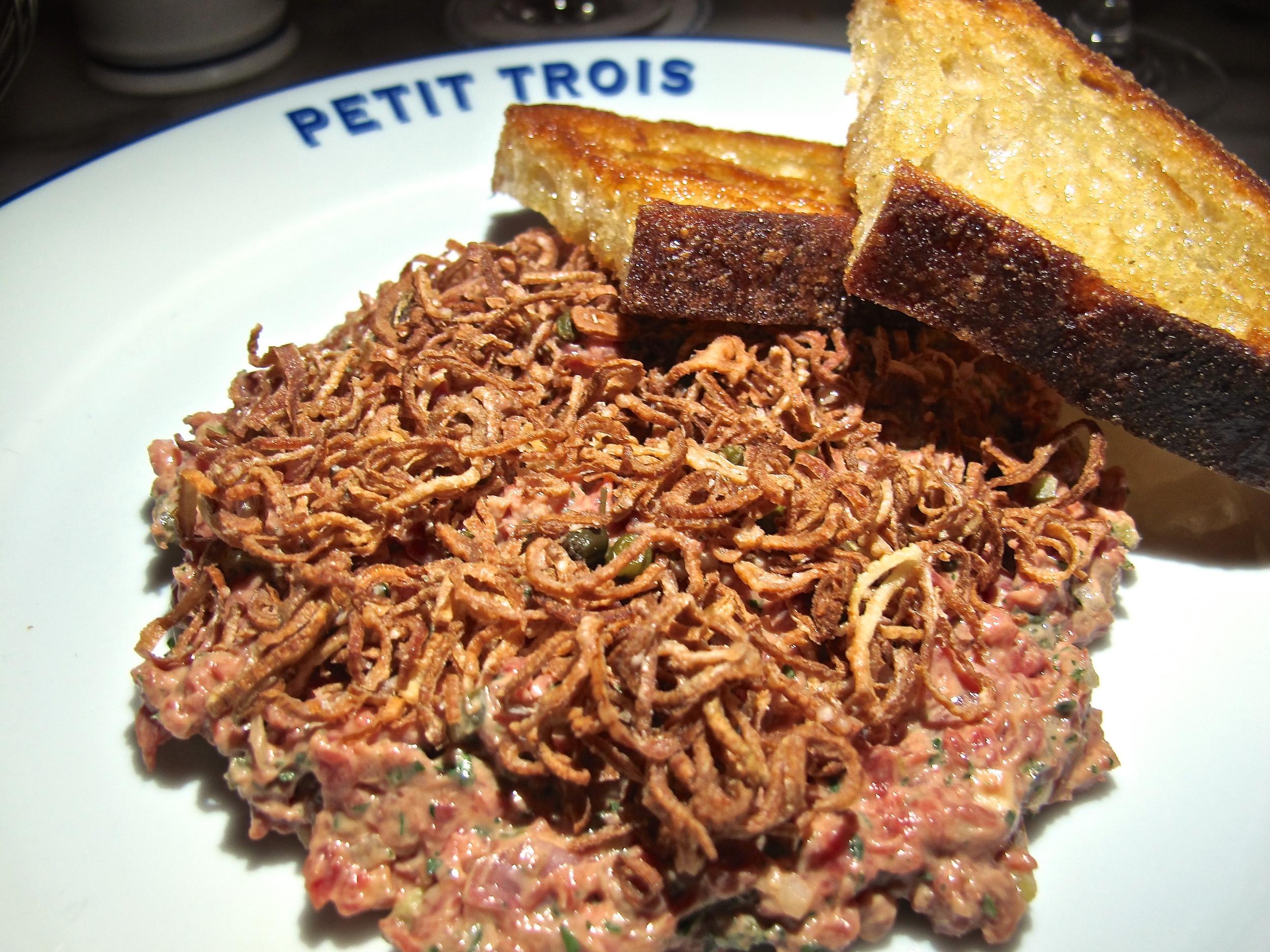 Petit Trois steak tartare