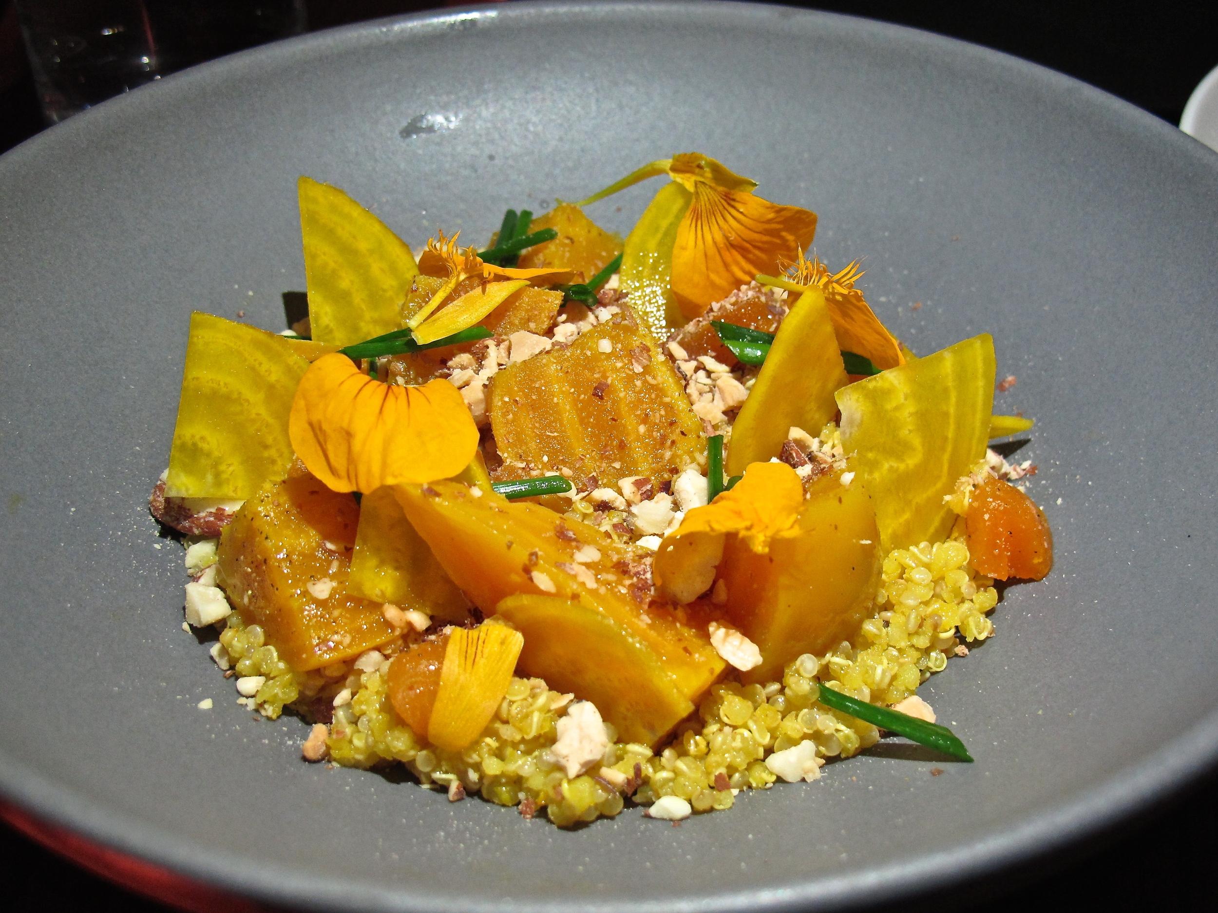 Aestus quinoa bowl