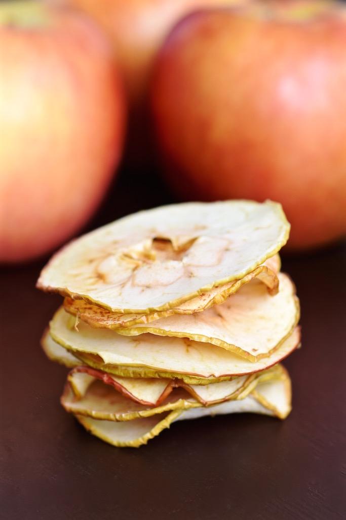 Oven Baked Apple Chips | TastingPage.com