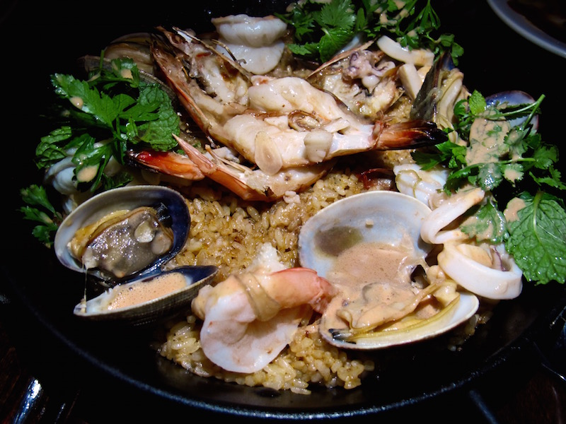 Ricardo Zarate's Once paella