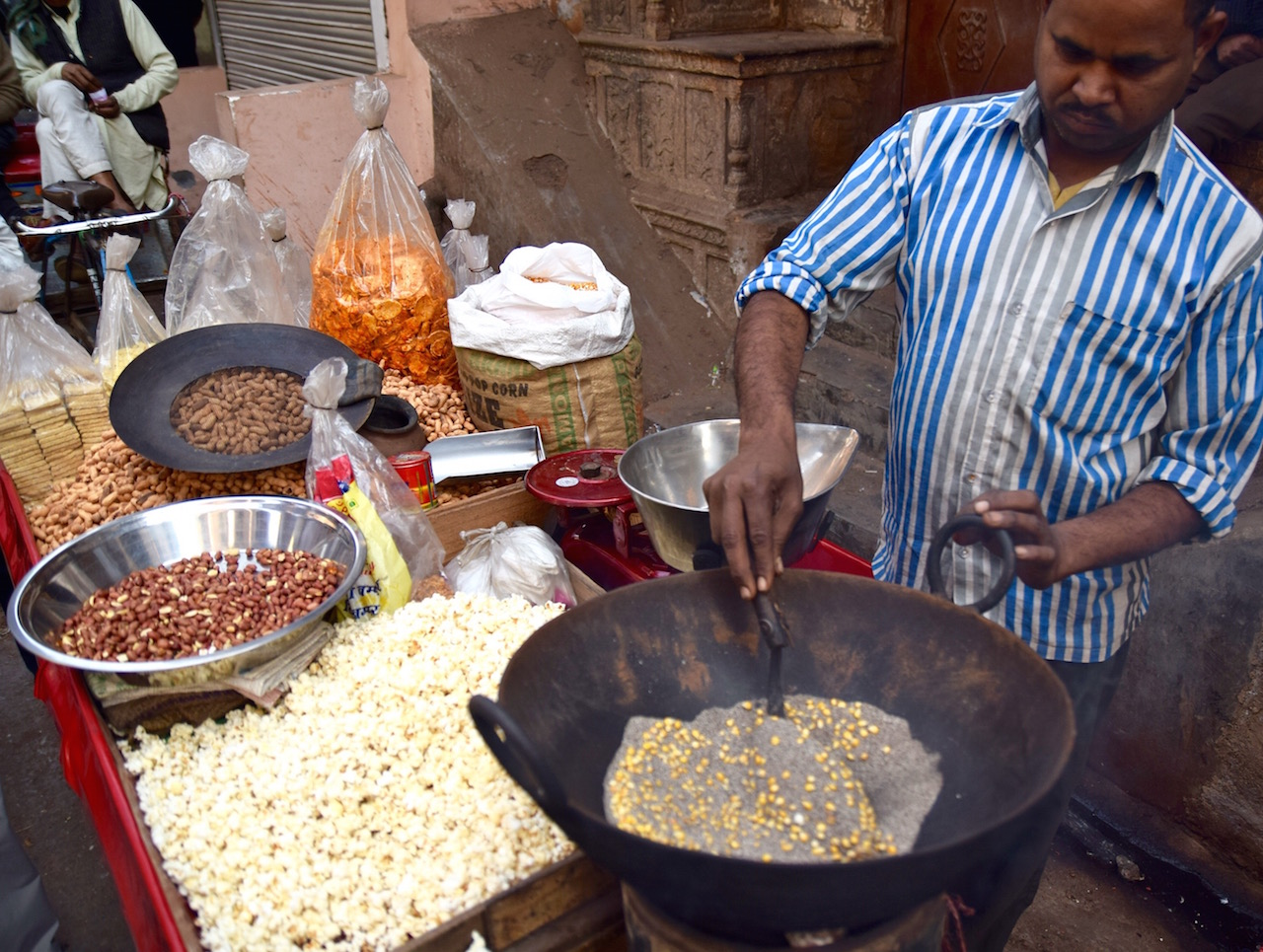 Delhi popcorn in the streets