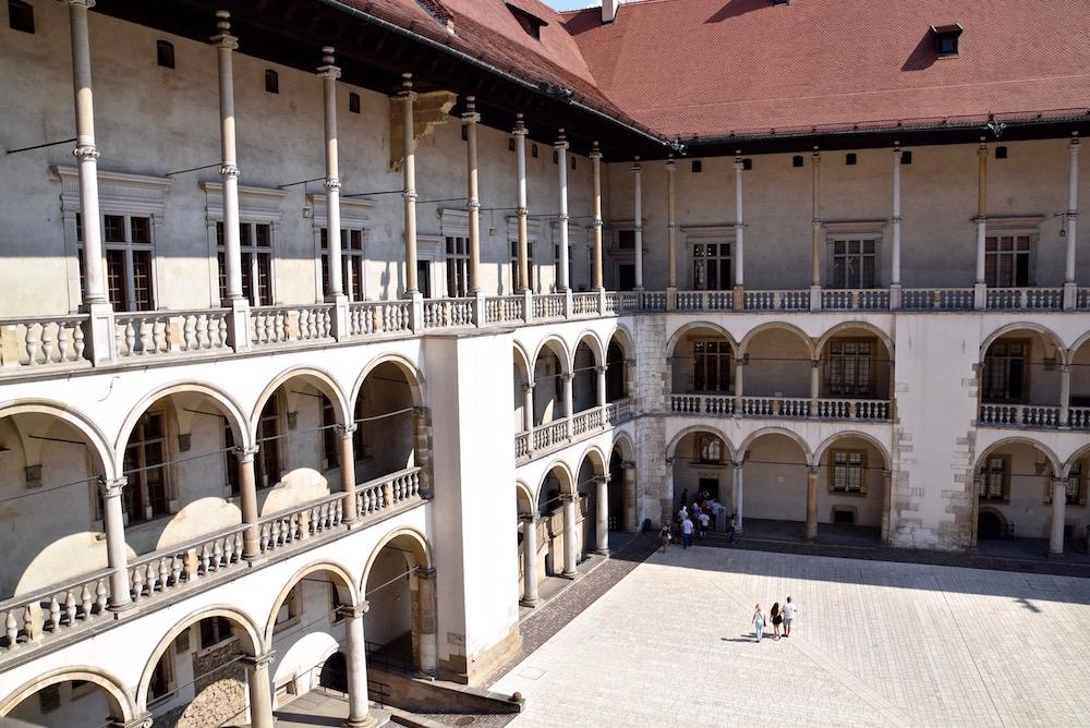 Krakow Wawel Castle.jpg