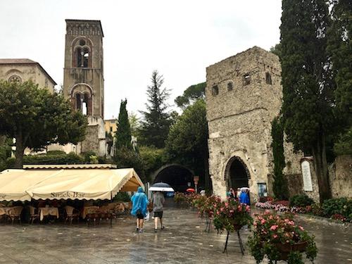 Ravello square.jpg