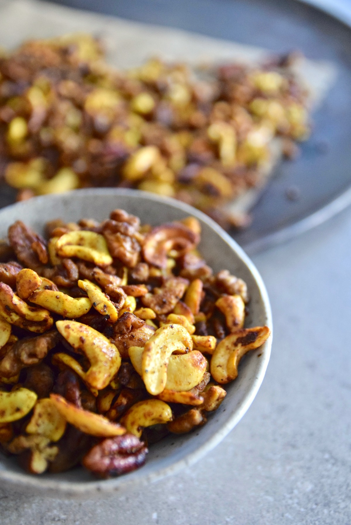 Sugar Free Curry Lime Nuts - the perfect healthy snack filled with good fat, fiber and protein. It's paleo, vegan and gluten free | TastingPage.com