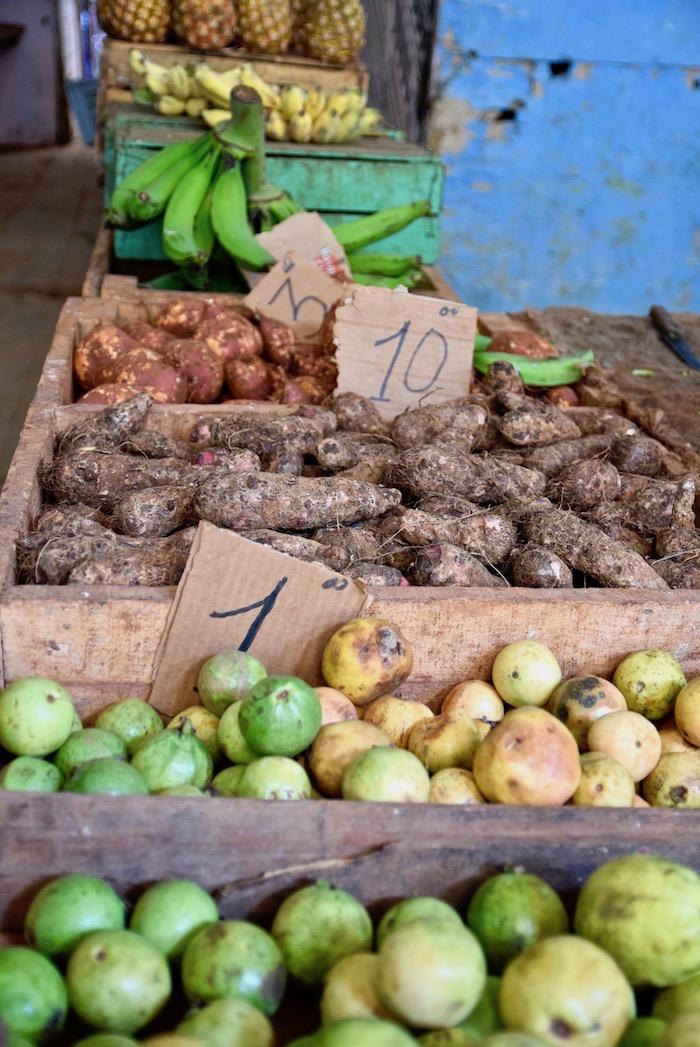 Havana vegetable market.jpg