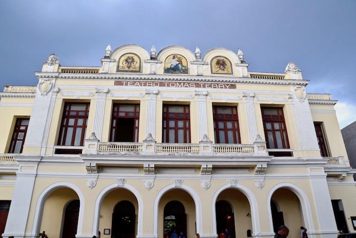 Cienfuegos Teatro Tomas Terry.jpg