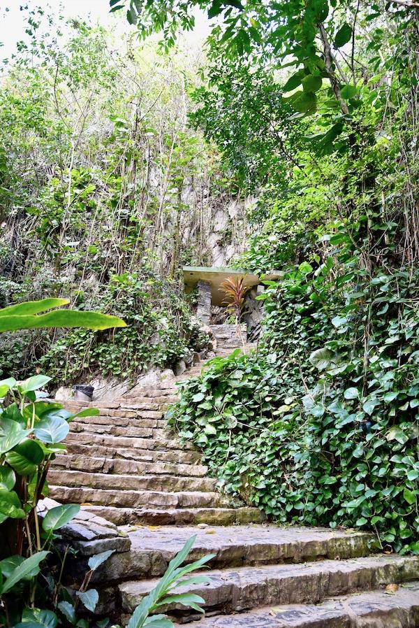 Vinales cave climb.jpg
