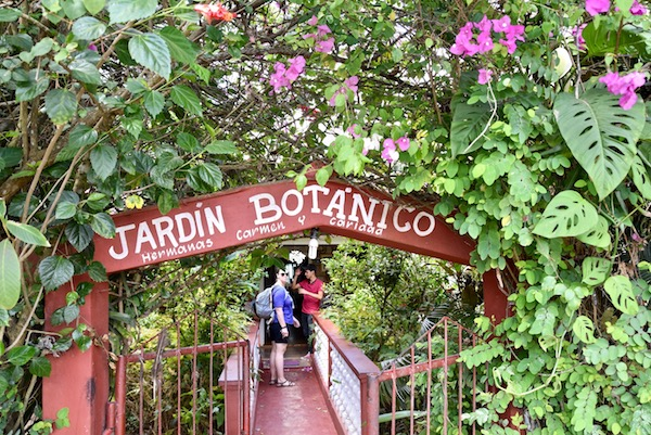 Botanical gardens Vinales.jpg