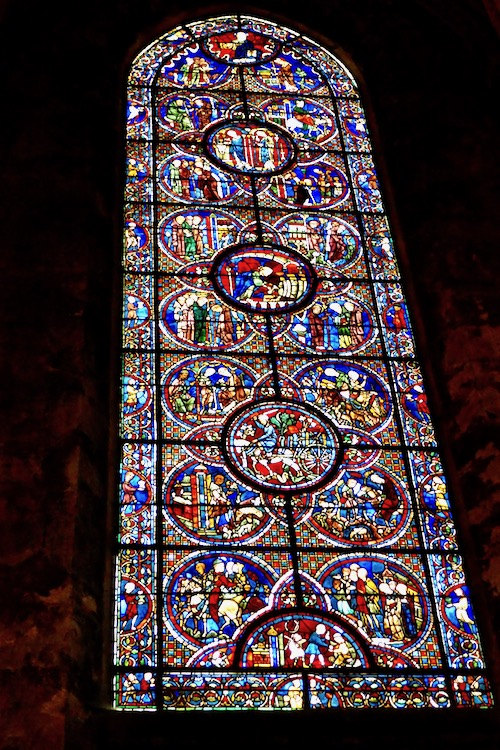 Notre Dame Chartres window.jpg