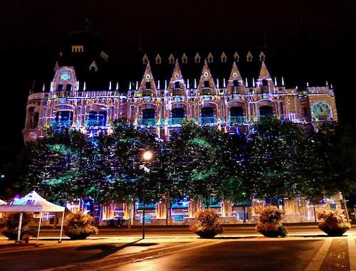Chartres en lumieres light show.jpg