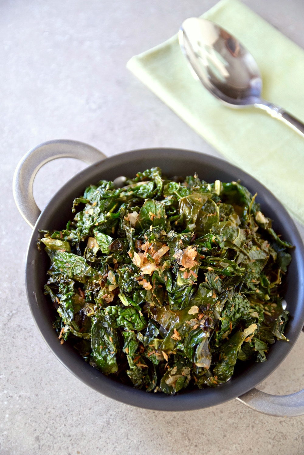 eat lots of leafy greens on a paleo diet for healthy grain free fiber
