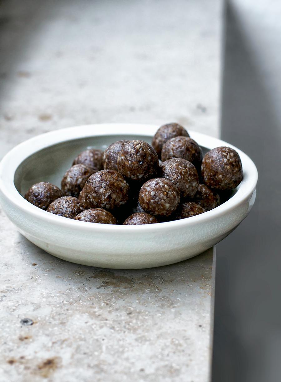 vegan-cookie-dough-energy-balls.jpg