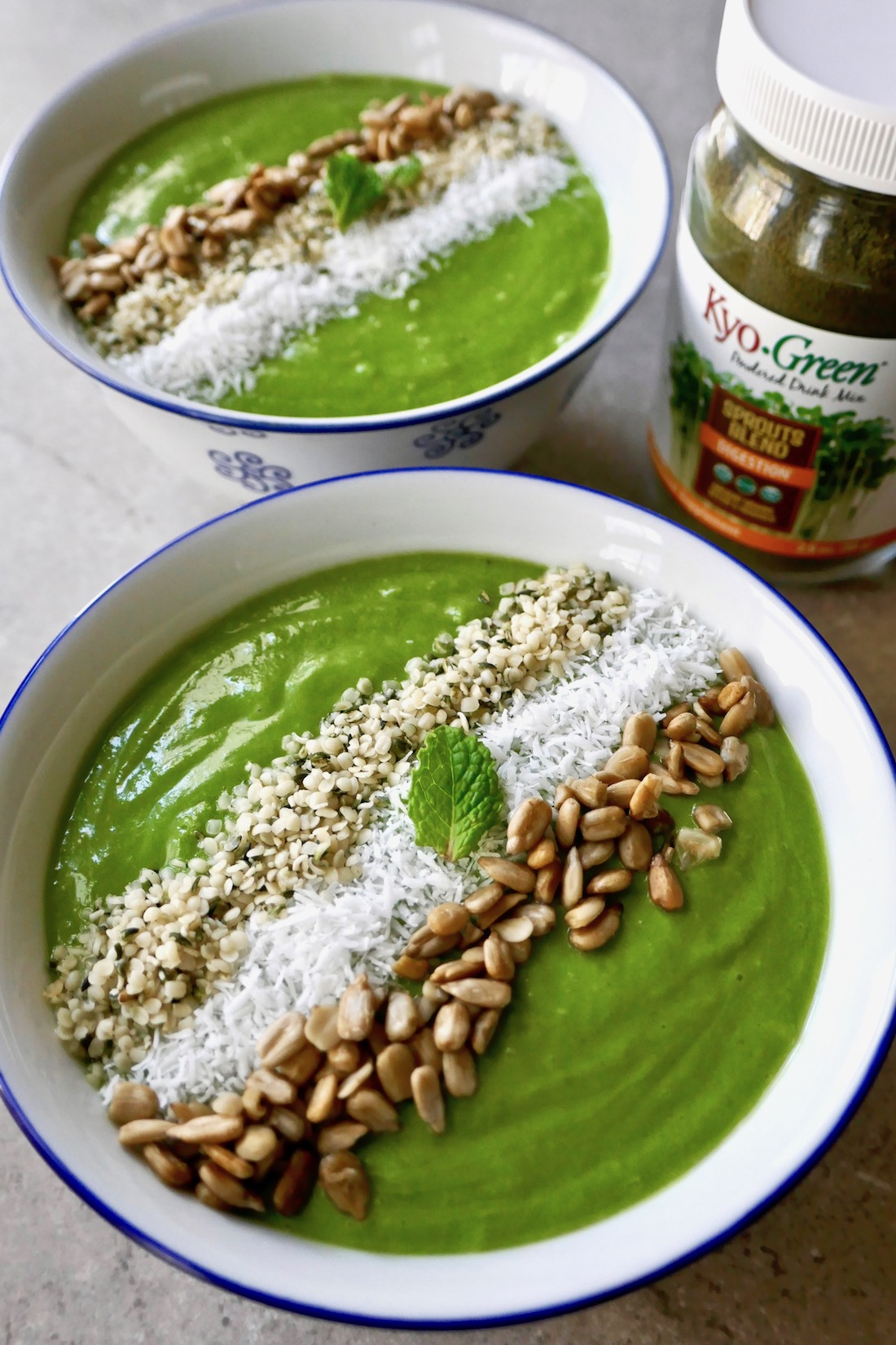 Smoothie bowl without fruit