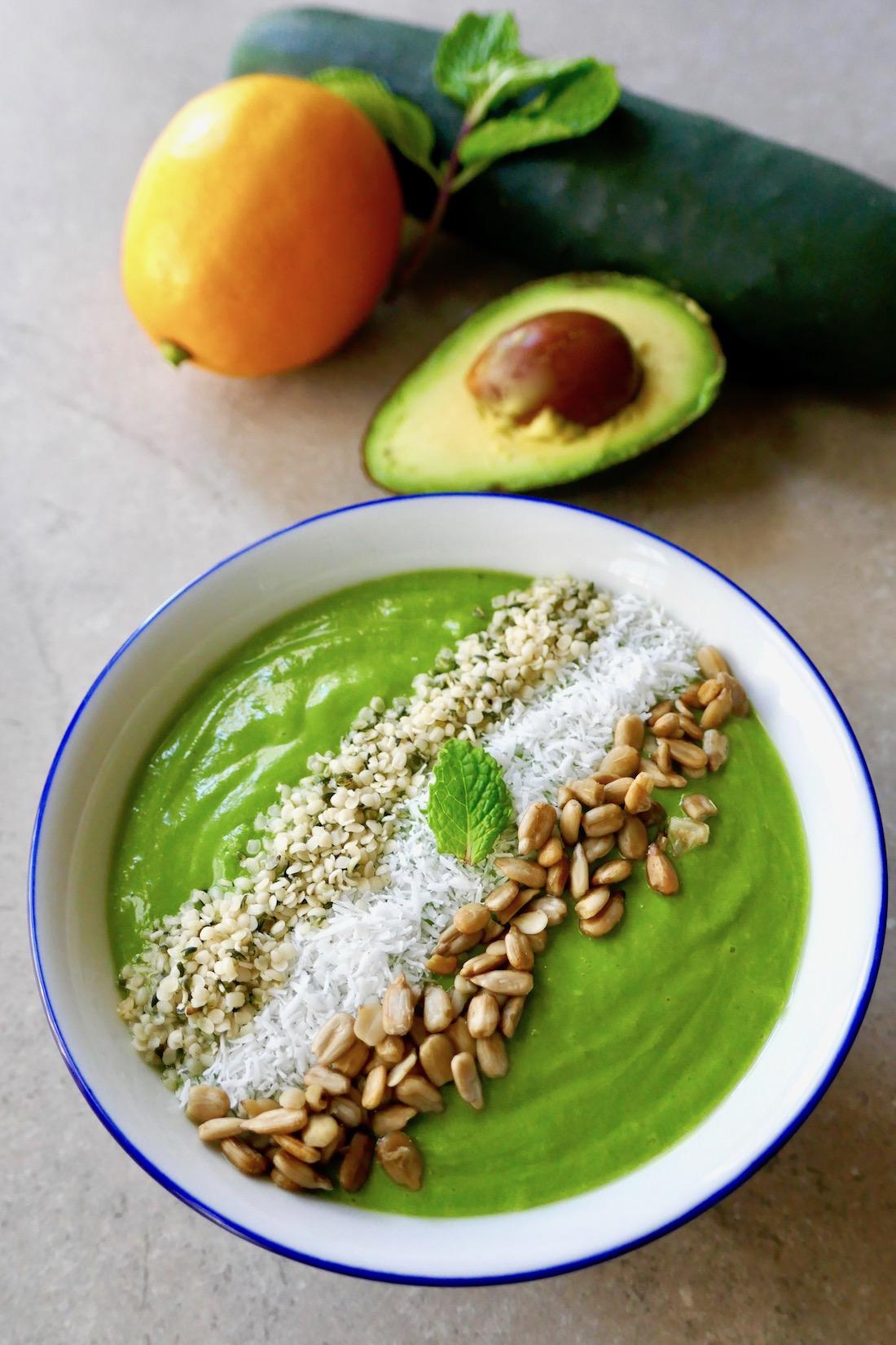 Fruitless smoothie bowl