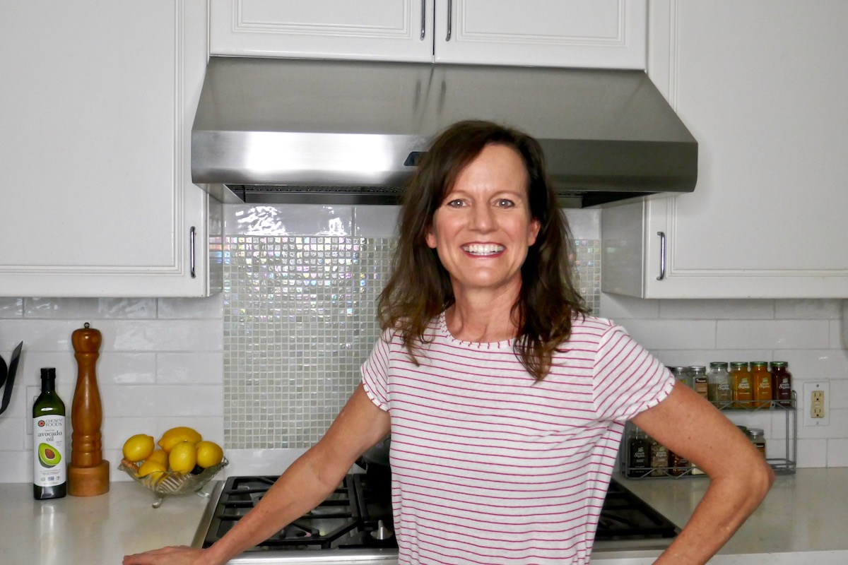 - Book one-on-one coaching sessions with me that are customized to your goals. We can cover diet and lifestyle, as well as behavior and thoughts so you can feel energized and balanced in your body. I have experience with imbalances with the gut, digestion, thyroid, adrenals, and hormones. We'll identify your problem areas and get you feeling lighter, thinking clearer, and sleeping better. Click to email and schedule a free 20-minute discovery session to see if coaching is right for you.