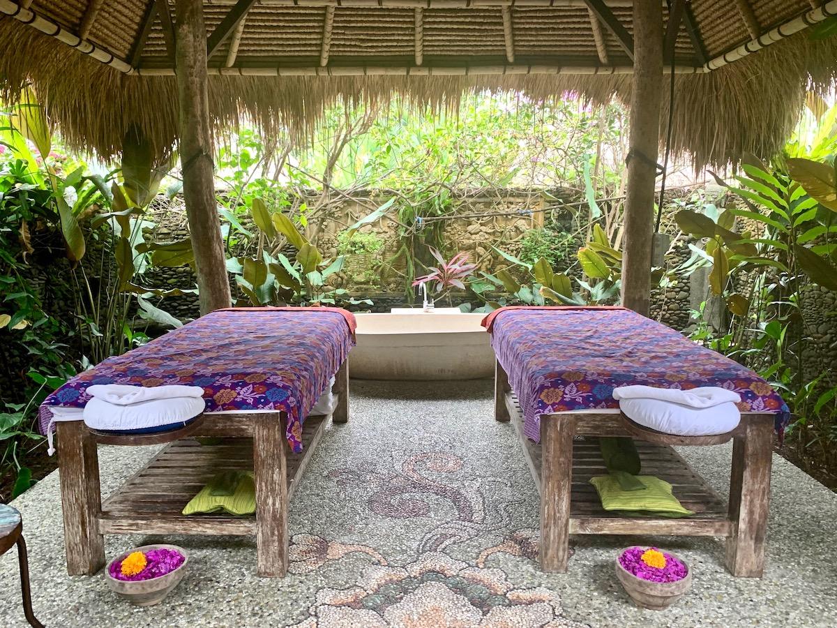 karsa massage room.jpeg