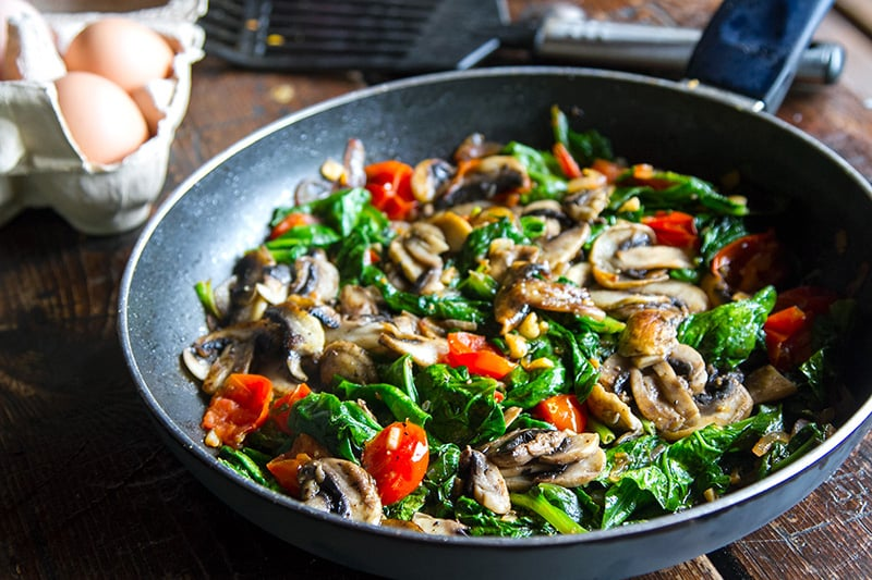 spinach-mushroom-tomato-fry-up