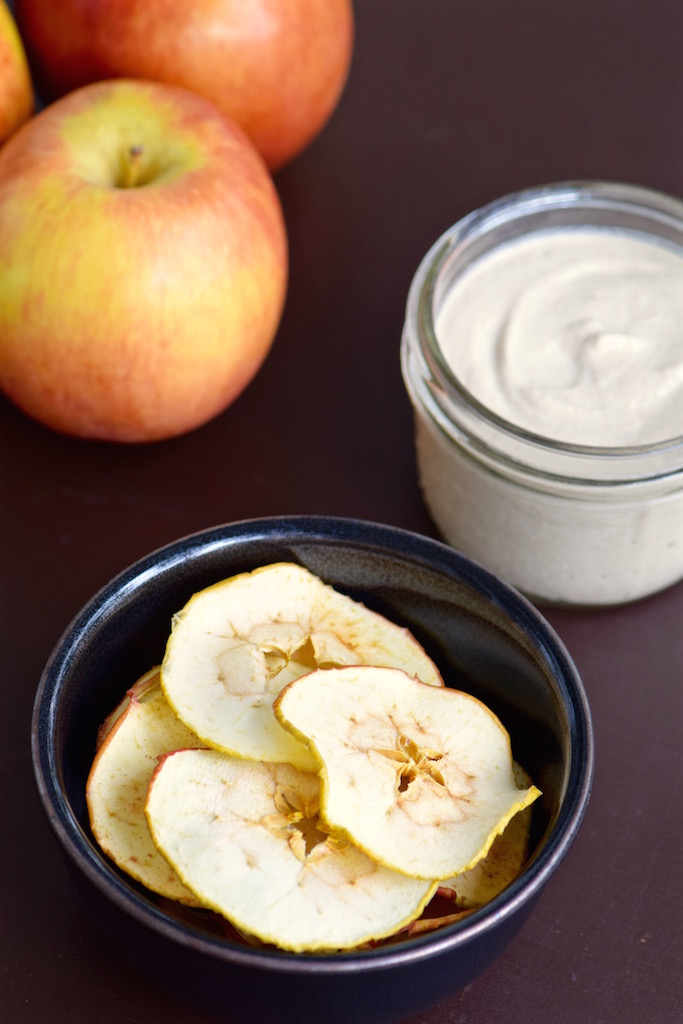 Apple Chips with Cashew Cinnamon Dip