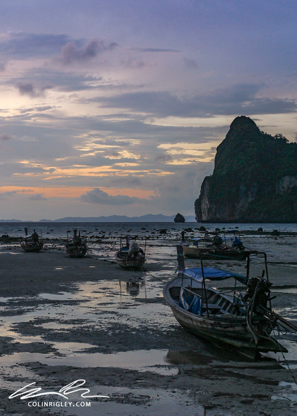 Thailand_Ko-Phi-Phi_Stranded-Boats.jpg
