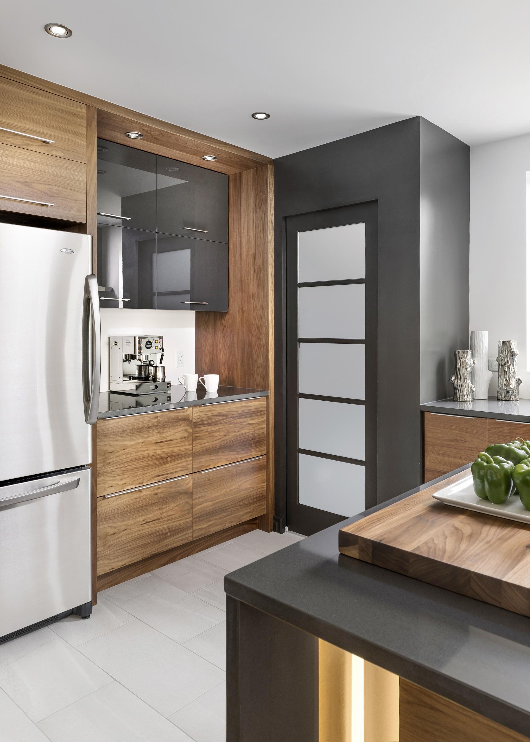 Kitchen Corner Vertical_SM.jpg