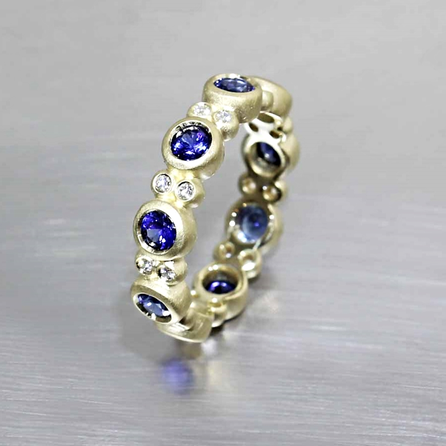 """Style #11210056: Sapphire & Diamond """"Bubble"""" Ring in Matte-Finished Yellow Gold"""