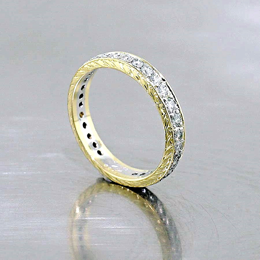 Style #10910052: Two-Tone Hand-Engraved Diamond Band