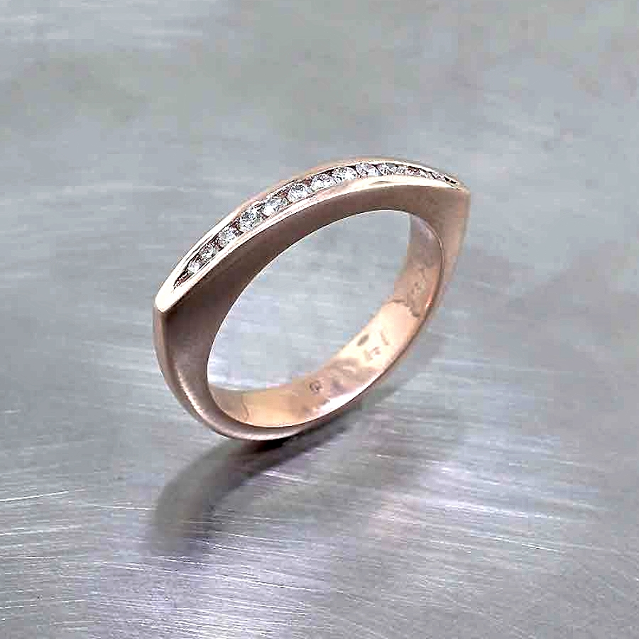 Style #21110080: Stackable Rose Gold Triangle Band w/ Rounded Base & Glittering Channel of Diamonds Across the Top