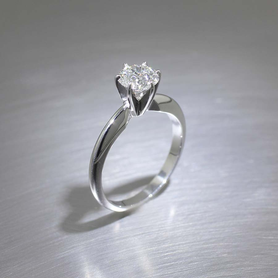 4-Prong 0.93ct Round Brilliant Diamond Solitaire, Platinum