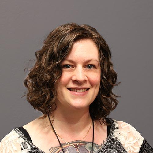 Tracy Hayes  Graduate Gemologist (GIA)  Certified Gemologist Appraiser (AGS)   BIO    tracy@jewelsmith.com