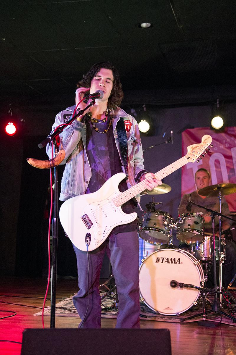Alex Roth (Vocals/Rhythm Guitar) |  Andrew Davis (Drums)
