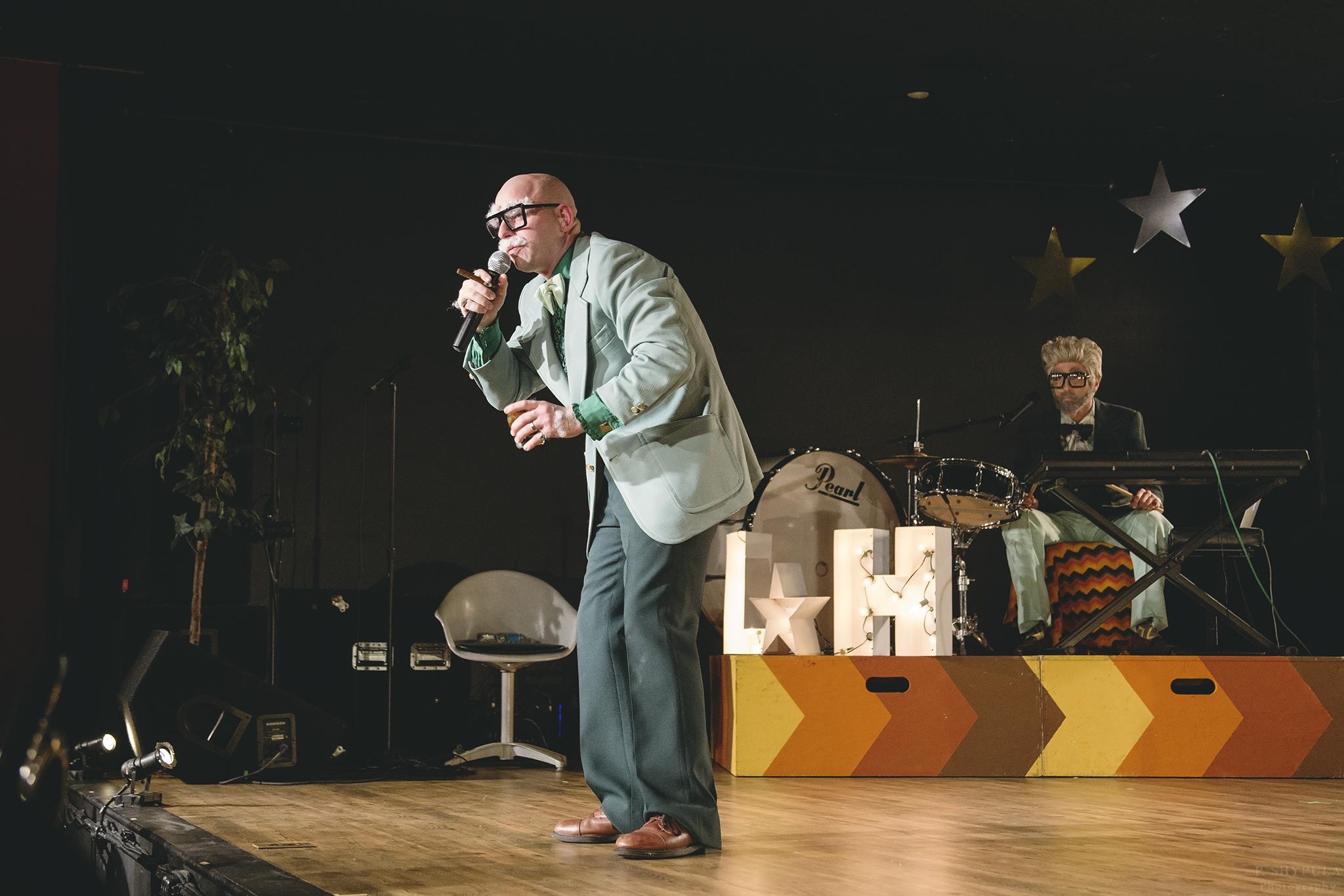 Lloyd & Harvey's Wowie Zowie Show