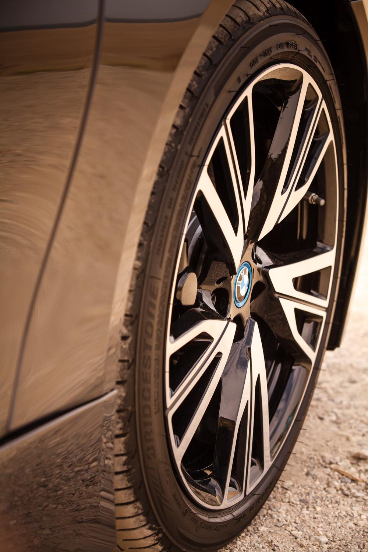 SK_BMWi8-16.jpg