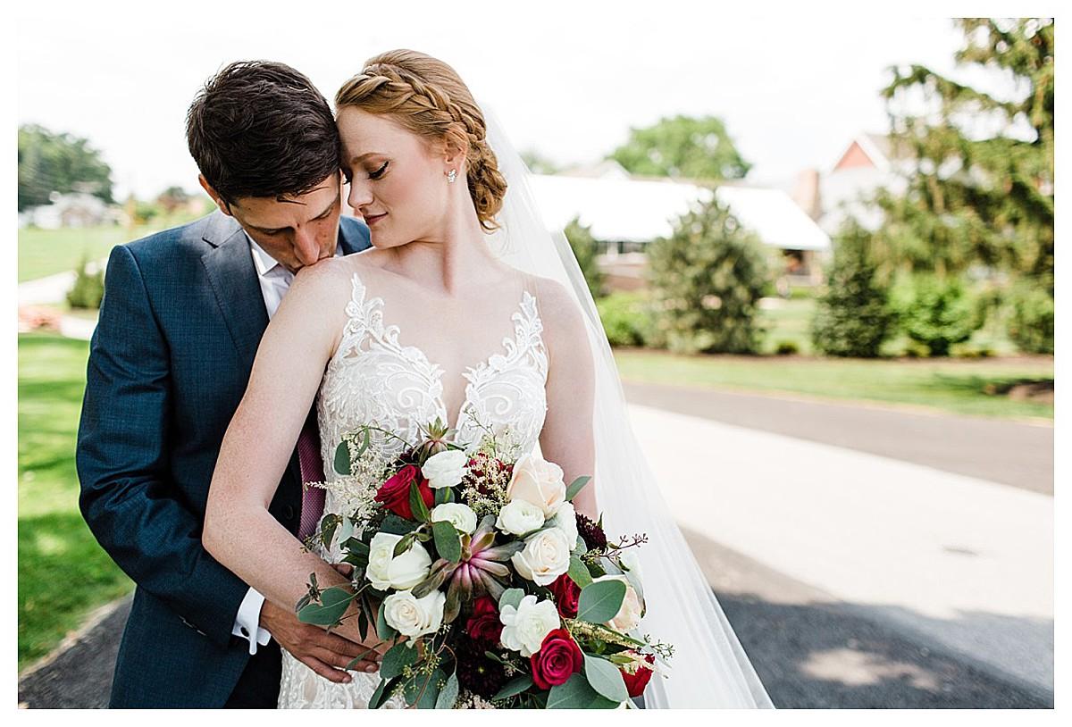 York_pa_Wyndridge_Farms_Wedding_erinelainephotography_0911.jpg